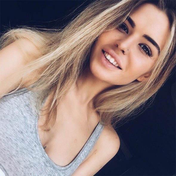 Красивые девушки фото от Evie 23