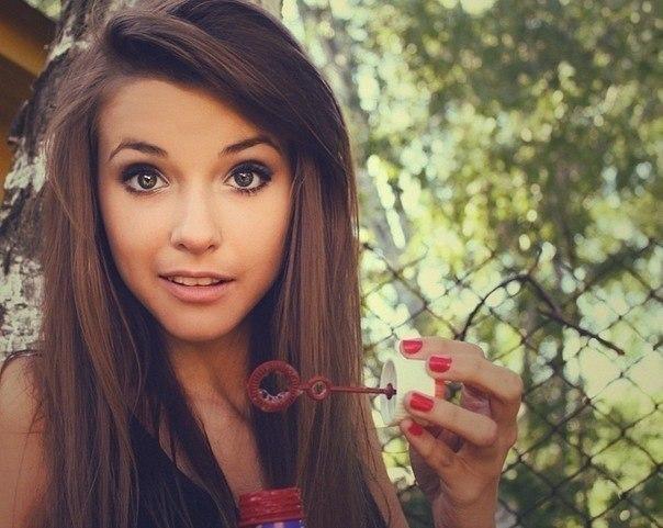 Красивые девушки на аву 18