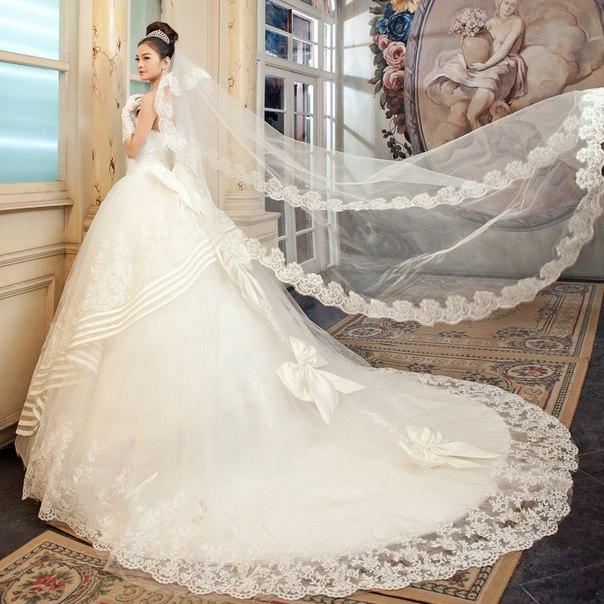 krasivoe-svadebnoe-plate-8