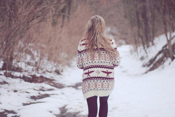 Фото девушек зимой со спины 10