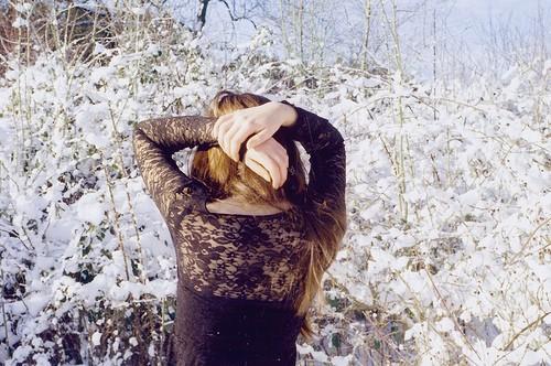 Фото девушек зимой со спины 3