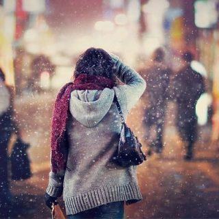 Фото девушек зимой со спины