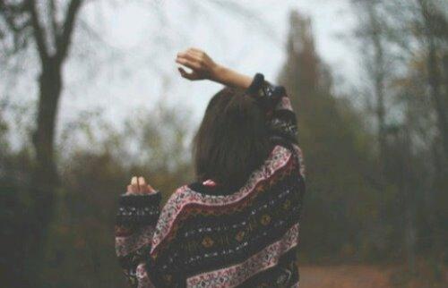 Фото девушек зимой со спины 4