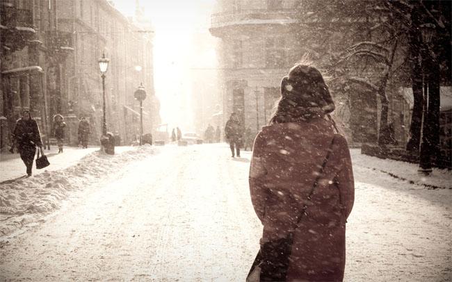 Фото девушек зимой со спины 9