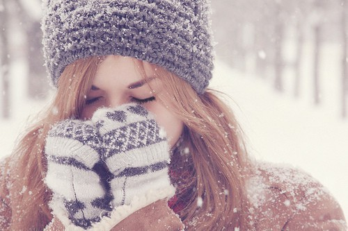 Картинки с красивыми девушками на аву зимой