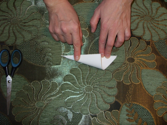 Пушистая снежинка из бумаги своими руками, пошагово