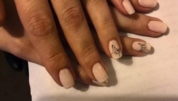 Идея маникюра на короткие ногти фото - красивый дизайн ногтей 3