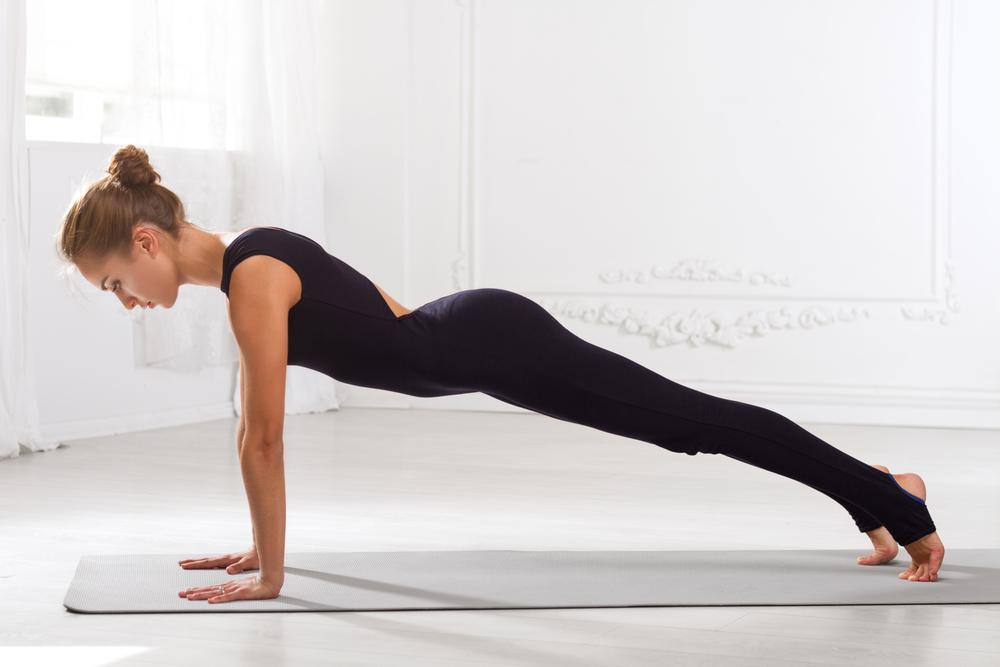 Планка с прямых рук упражнение фото