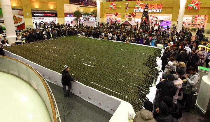 Самый длинный ролл в мире в Екатеринбурге - фото, описание, интересное 1