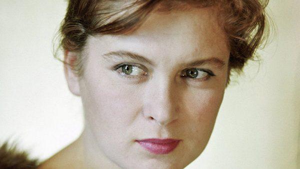 Изольда Извицкая - биография, личная жизнь, фото 1
