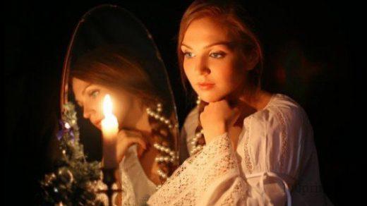 Почему нельзя смотреть в зеркало, когда плачешь? - Примета 1