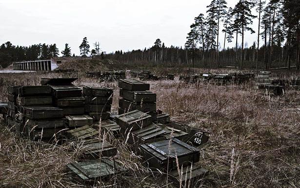 Заброшенные военные склады с оружием - фото, картинки, прикольные 7