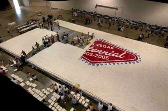 Торт Лас-Вегасу размером со спортзал