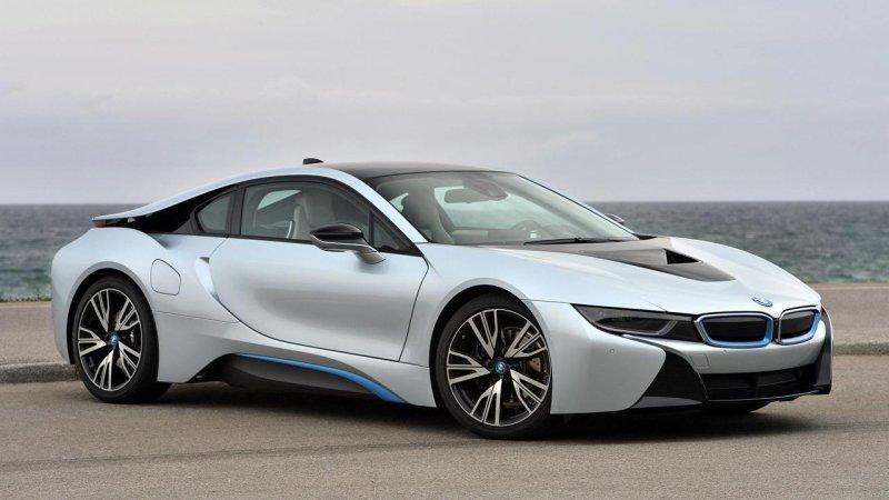 BMW i8 - красивые фото, картинки и фото салона автомобиля 6