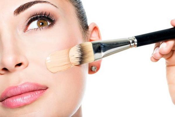 Как правильно наносить тональный крем на лицо - пошаговые советы 4