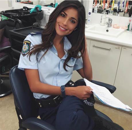 Красивые девушки в форме полиции - смотреть фото бесплатно 11