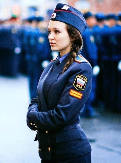 Красивые девушки в форме полиции - смотреть фото бесплатно 16