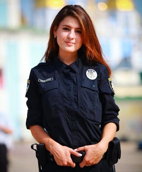 Красивые девушки в форме полиции - смотреть фото бесплатно 5