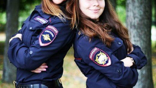 Красивые девушки в форме полиции - смотреть фото бесплатно 6