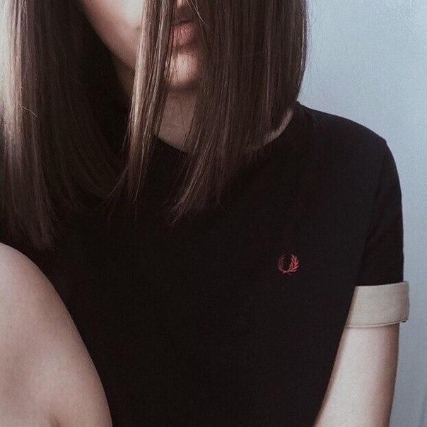 Прикольные и красивые картинки девушек на аватарку со спины 12