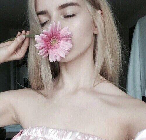 Девушки с цветами на аву - красивые, прикольные, классные, крутые 1