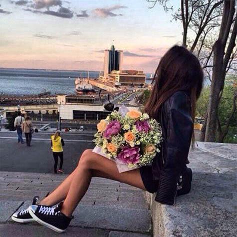 Девушки с цветами на аву - красивые, прикольные, классные, крутые 10