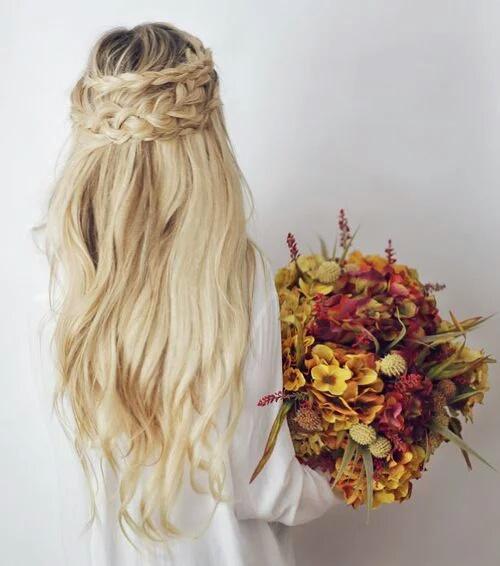 Девушки с цветами - фото на аву, аватарку, скачать бесплатно 11