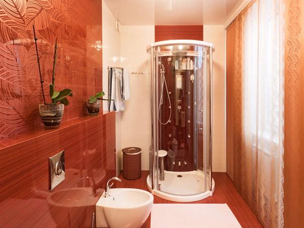 Как сделать ремонт в маленькой ванной своими руками - фото и идеи 25