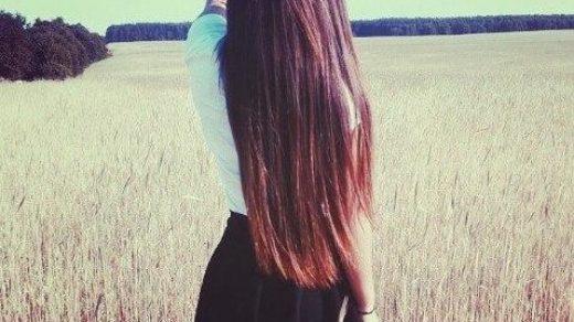 Классные и крутые картинки на аватарку для девушек со спины 16