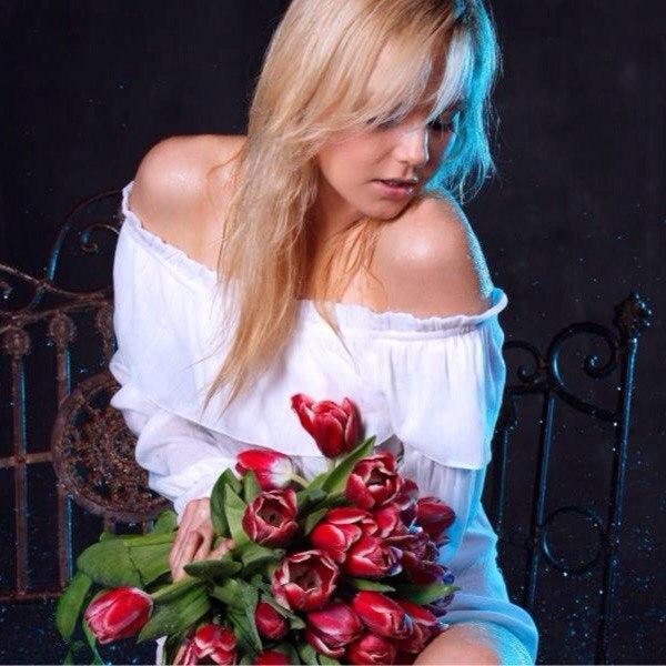 Красивые картинки девушек с цветами - смотреть, скачать бесплатно 13