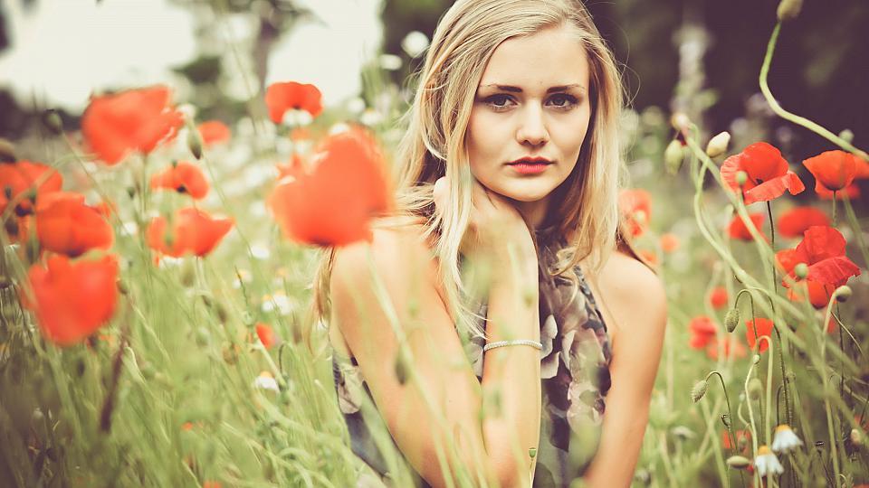 Красивые фото девушек с цветами - скачать, смотреть бесплатно 12