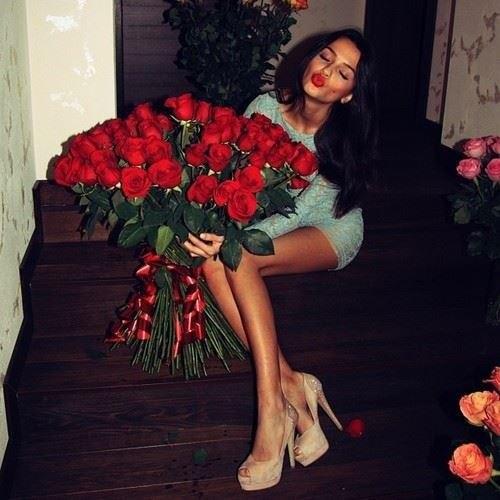 Красивые фото девушек с цветами - скачать, смотреть бесплатно 8