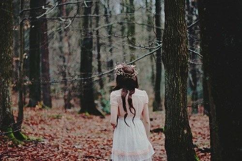 Скачать картинки - девушка с цветами со спины, красивые, крутые 12