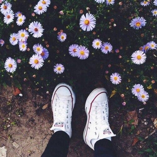 Девушка с цветами без лица - картинки, фото, красивые, классные 5