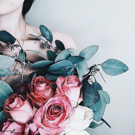 Девушки на аву без лица с цветами - красивые, прикольные, крутые 15