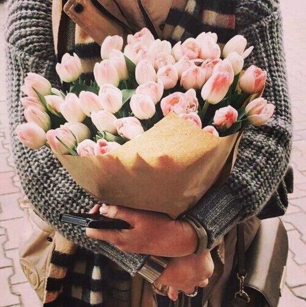 Девушки на аву без лица с цветами - красивые, прикольные, крутые 7