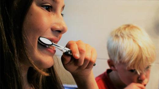 Когда начинать чистить зубы ребенку, средства для зубов малышей 5