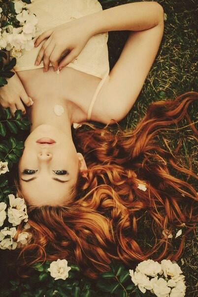 Красивые фото девушек с цветами без лица - удивительные, прикольные 7