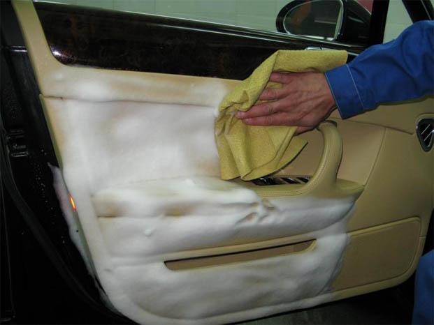 Химчистка салона автомобиля своими руками - секреты и советы 2