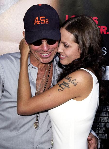 Анджелина Джоли - биография, личная жизнь, фото, новости, дети 7