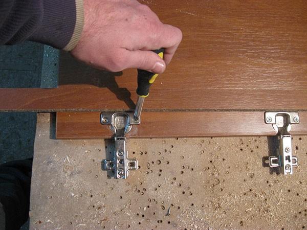 Как сделать под мебельные петли