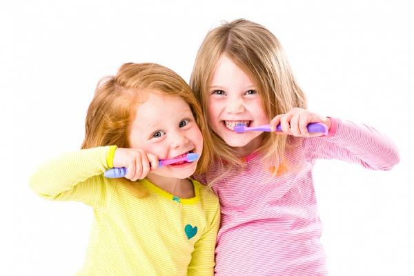 Как чистить зубы ребенку в год - эффективные рекомендации и советы 1