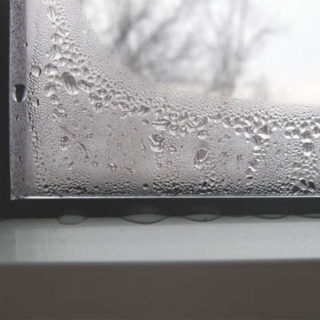 Почему запотевают пластиковые окна в квартире - причины и советы 2