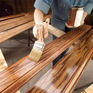 Чем покрасить деревянную лестницу в доме - советы и рекомендации 3