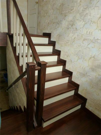 Чем покрасить деревянную лестницу в доме - советы и рекомендации 4