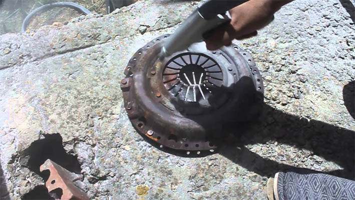 Как удалить ржавчину с металла и инструментов в домашних условиях 1