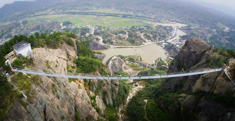 Стеклянный мост в Китае - удивительные и невероятные фото, видео 1