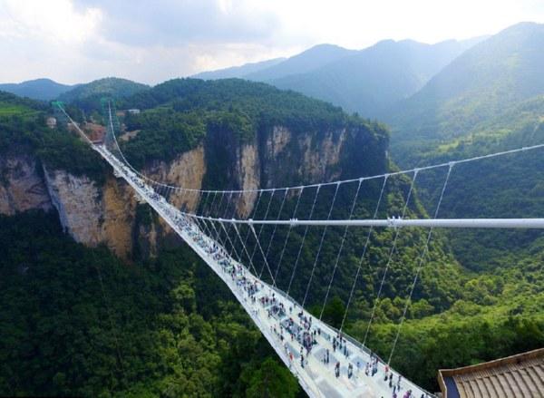 Стеклянный мост в Китае - удивительные и невероятные фото, видео 2