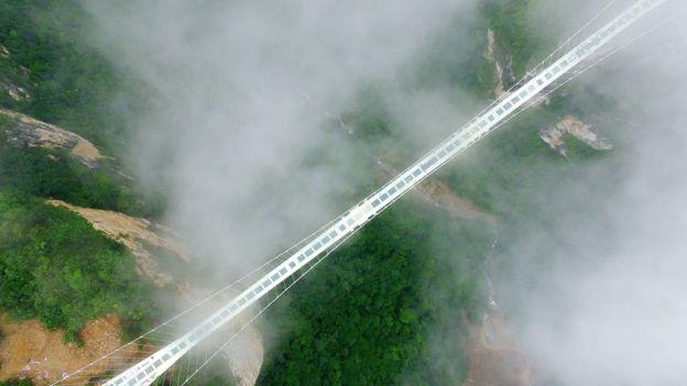 Стеклянный мост в Китае - удивительные и невероятные фото, видео 6