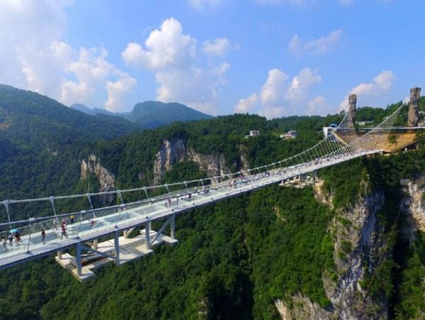Стеклянный мост в Китае - удивительные и невероятные фото, видео 9